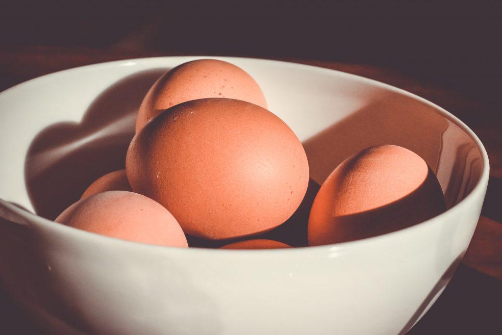 kananmunankuoret sisältävät kalkkia