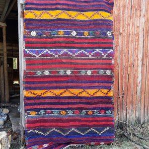 Turkkilainen nomadien kuviollinen kelim-matto 50-luvulta